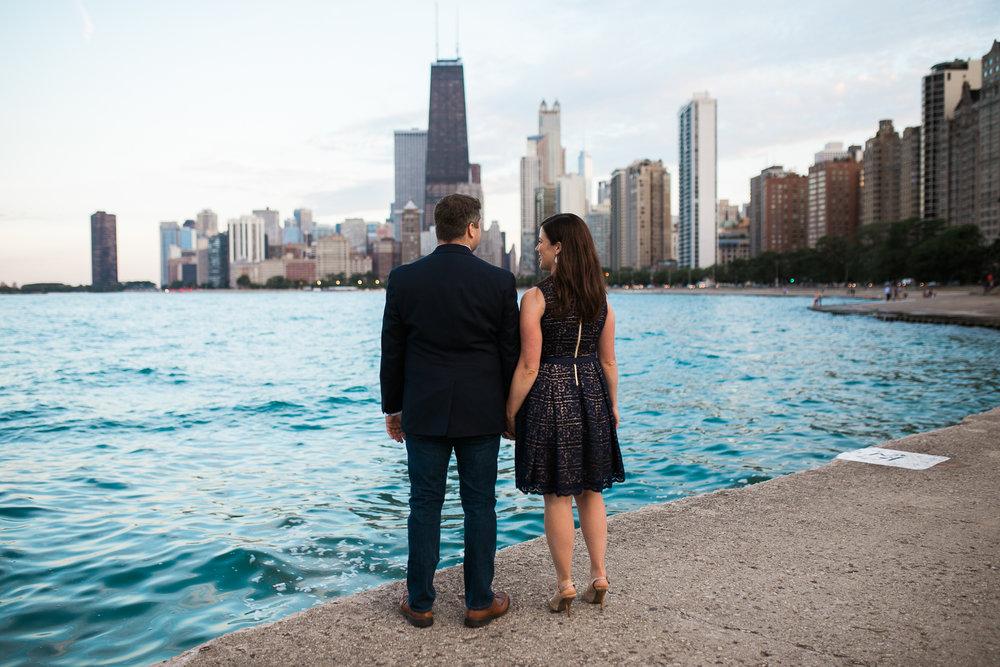 Downtown-Chicago-Engagement-Session-Jen-Dederich_040.jpg