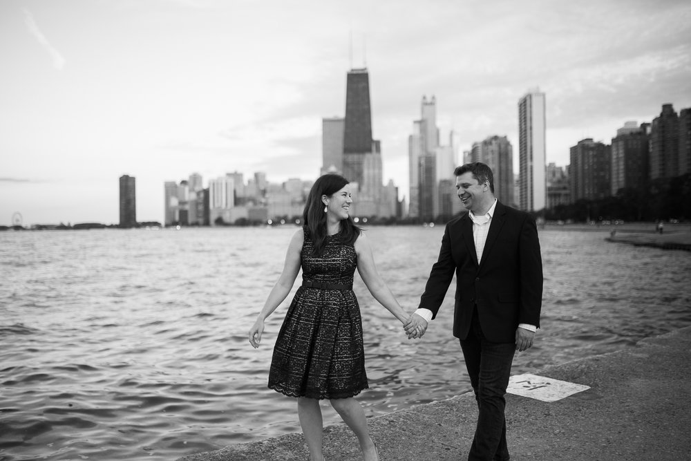 Downtown-Chicago-Engagement-Session-Jen-Dederich_043.jpg