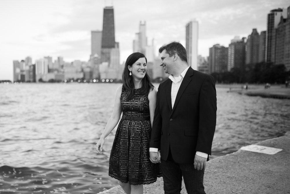 Downtown-Chicago-Engagement-Session-Jen-Dederich_045.jpg