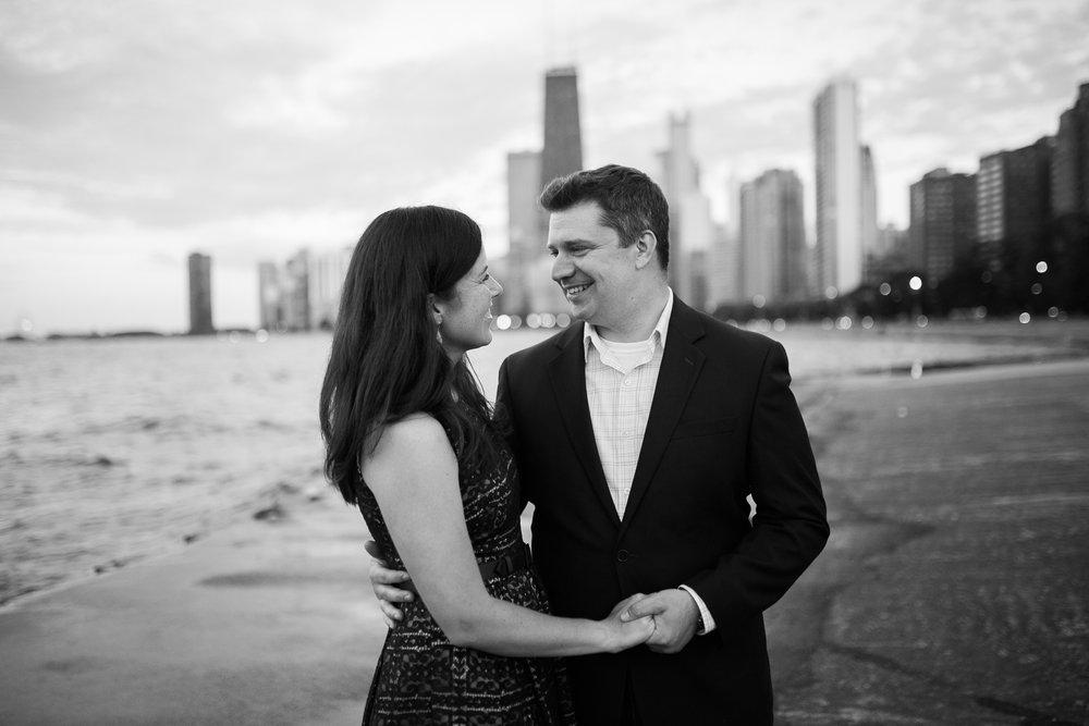 Downtown-Chicago-Engagement-Session-Jen-Dederich_055.jpg