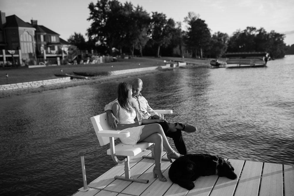 Lake-Muskego-summer-Wisconsin-engagement-portraits_046.jpg