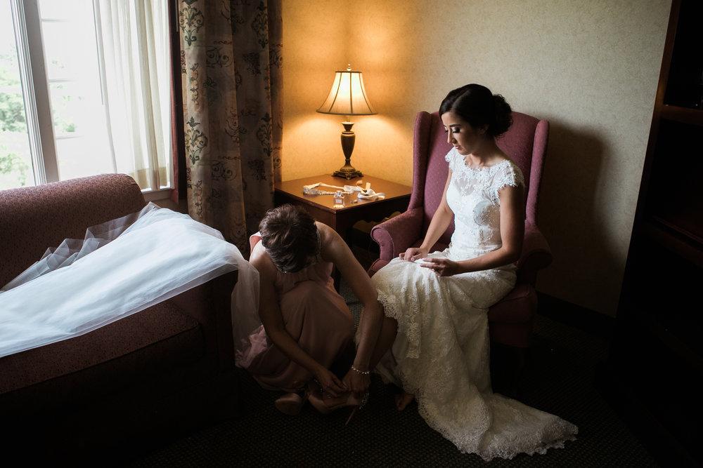 Elegant-Barn-Wedding-Rustic-Manor-1848-Wisconsin_026.jpg