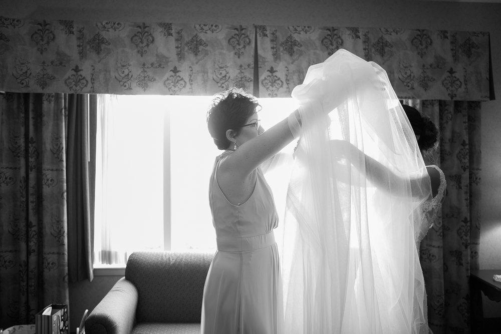 Elegant-Barn-Wedding-Rustic-Manor-1848-Wisconsin_027.jpg