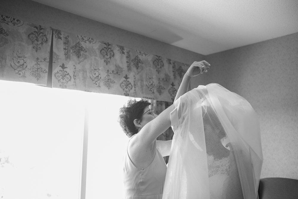 Elegant-Barn-Wedding-Rustic-Manor-1848-Wisconsin_028.jpg