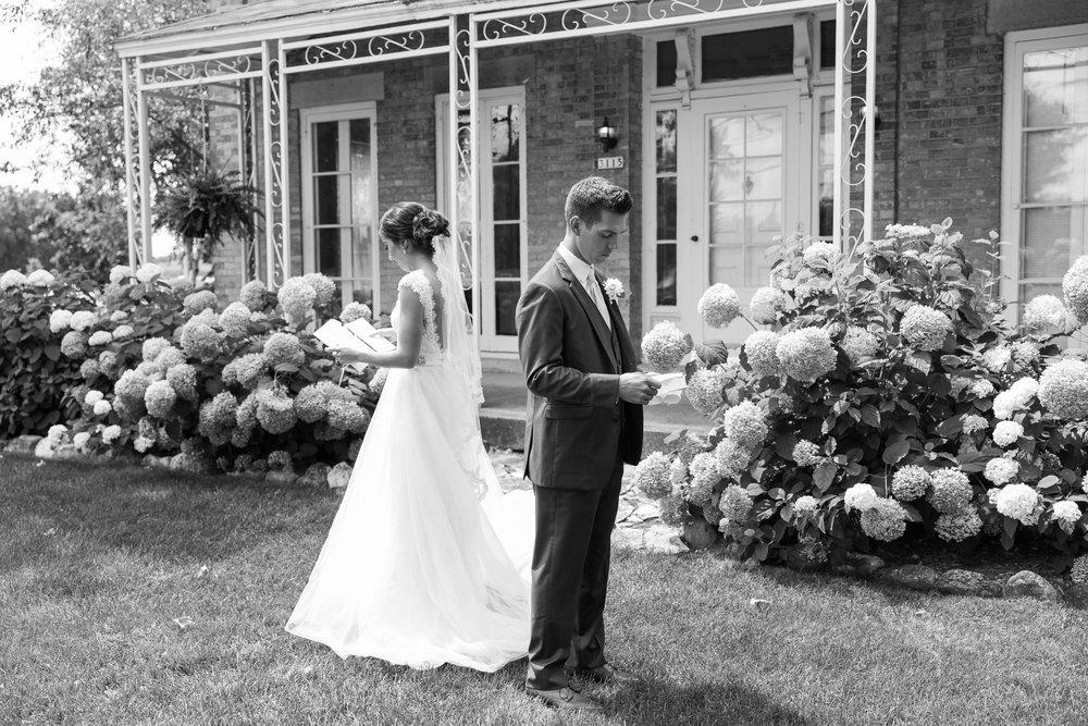 Elegant-Barn-Wedding-Rustic-Manor-1848-Wisconsin_048.jpg