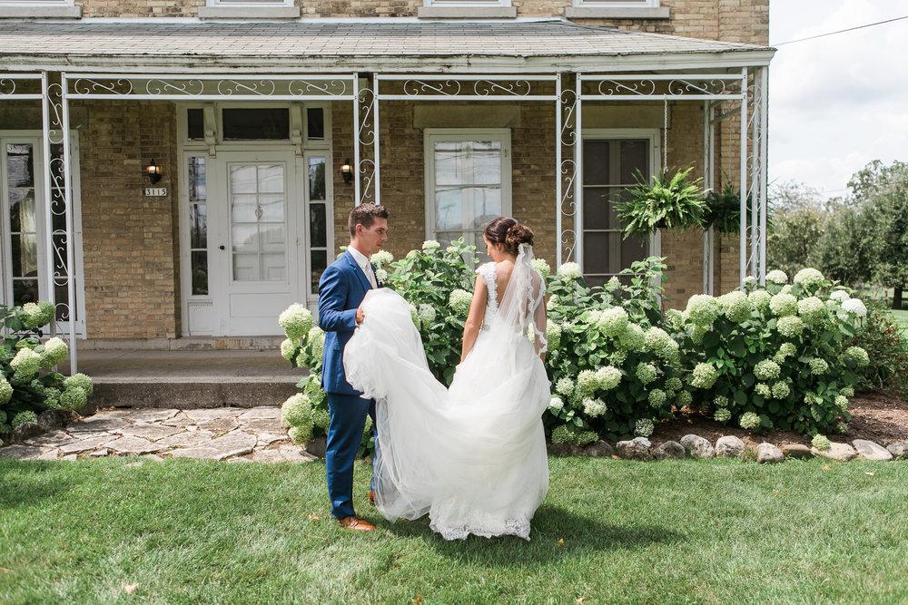 Elegant-Barn-Wedding-Rustic-Manor-1848-Wisconsin_065.jpg