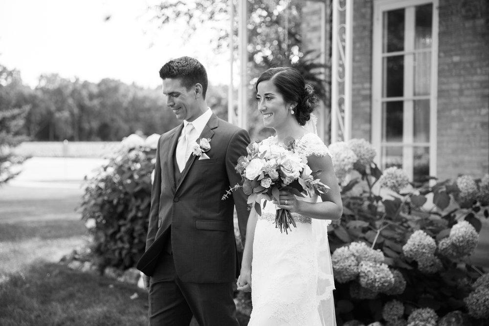 Elegant-Barn-Wedding-Rustic-Manor-1848-Wisconsin_140.jpg