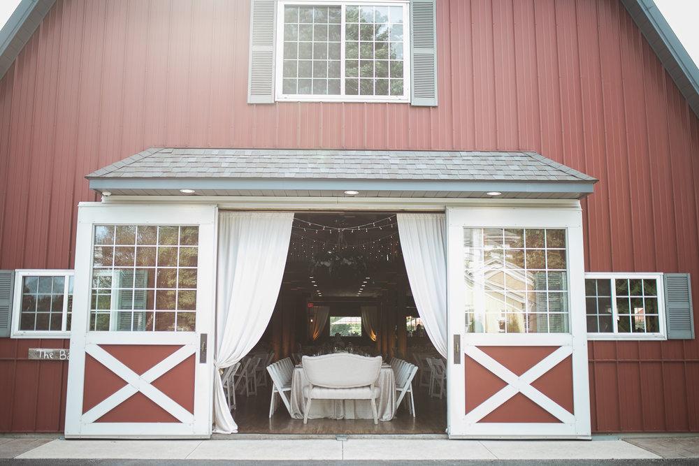 Elegant-Barn-Wedding-Rustic-Manor-1848-Wisconsin_144.jpg