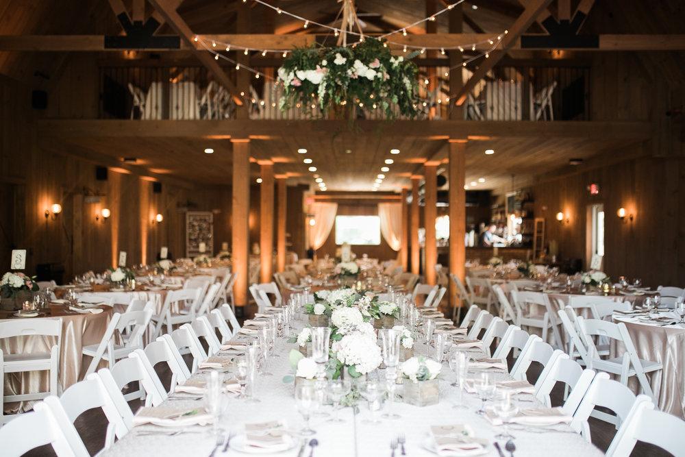 Elegant-Barn-Wedding-Rustic-Manor-1848-Wisconsin_150.jpg