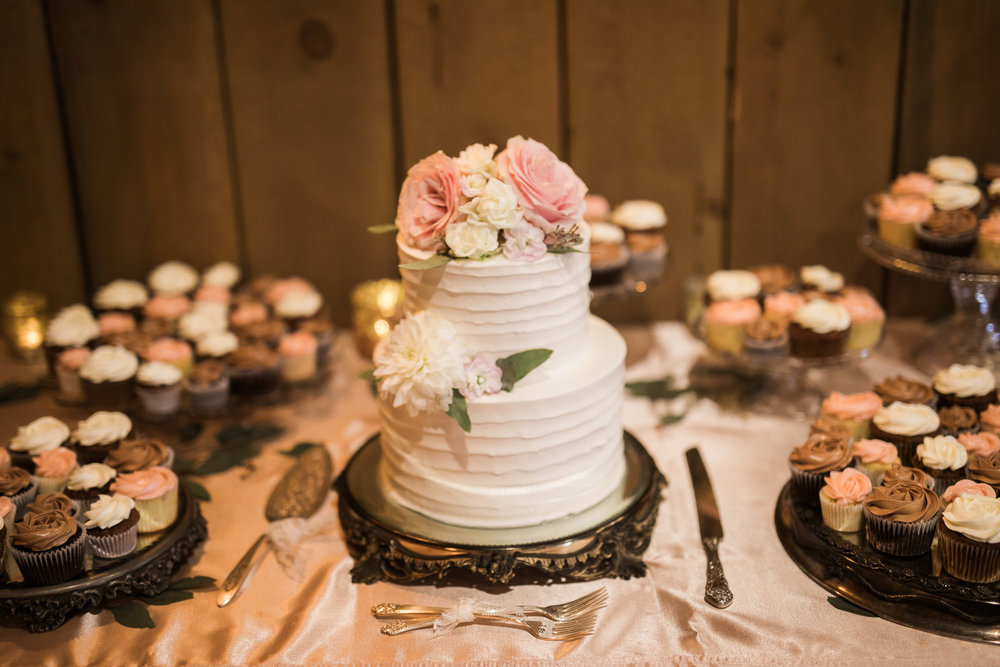 Elegant-Barn-Wedding-Rustic-Manor-1848-Wisconsin_164.jpg