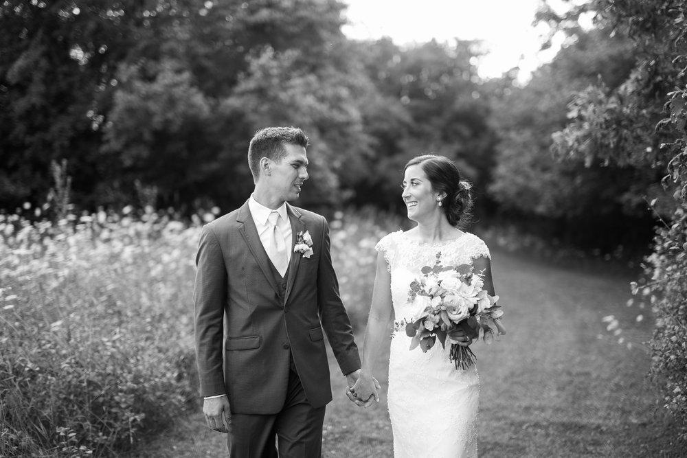 Elegant-Barn-Wedding-Rustic-Manor-1848-Wisconsin_190.jpg