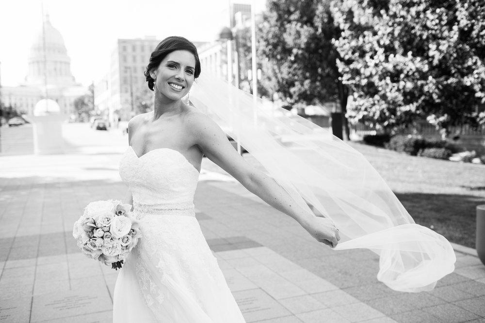 Madison-Club-Wedding-Wisconsin-Wedding-Photography_121.jpg