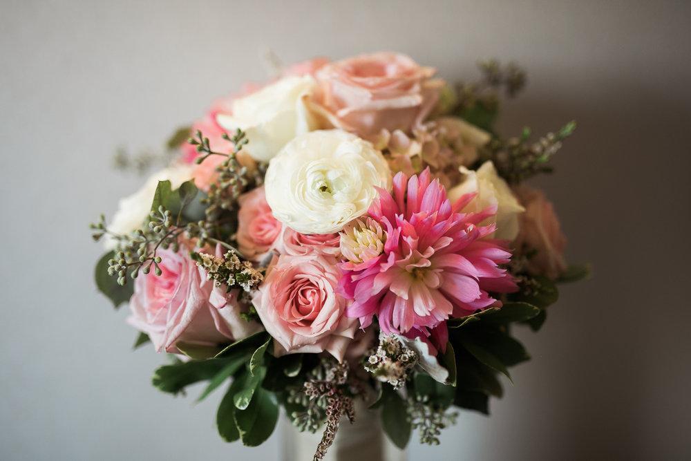 TheLageret-Stoughton-Wisconsin-Wedding_014.jpg