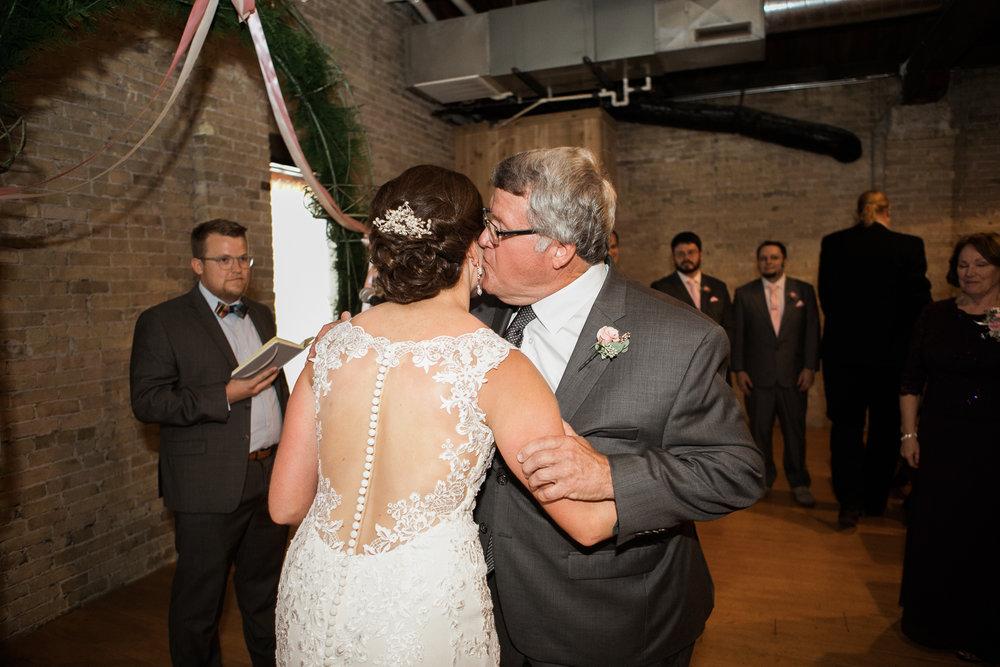 TheLageret-Stoughton-Wisconsin-Wedding_070.jpg