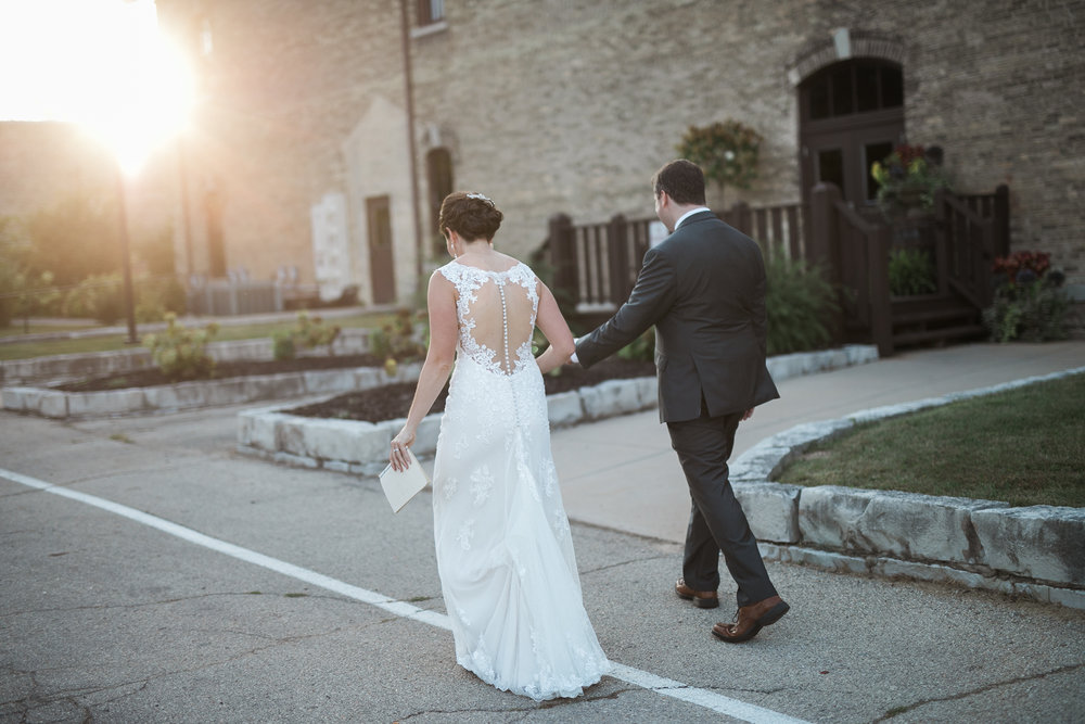 TheLageret-Stoughton-Wisconsin-Wedding_099.jpg