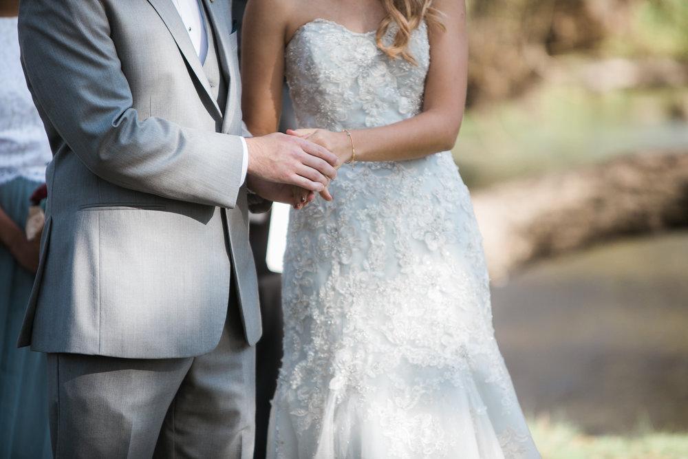 Paoli-Mill-Wisconsin-Wedding_057.jpg