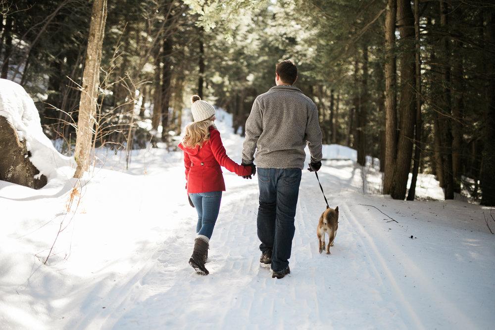 Wisconsin-winter-engagement-Northwoods_001.jpg