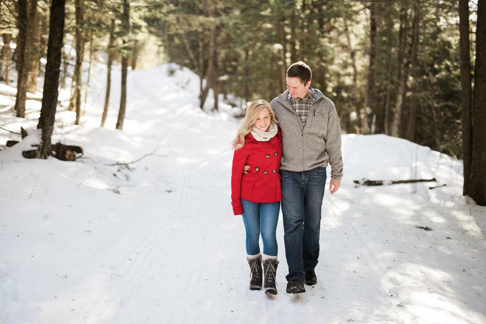 Wisconsin-winter-engagement-Northwoods_006.jpg