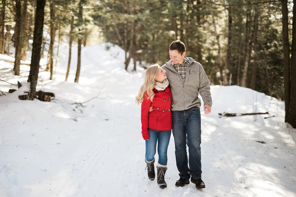Wisconsin-winter-engagement-Northwoods_007.jpg