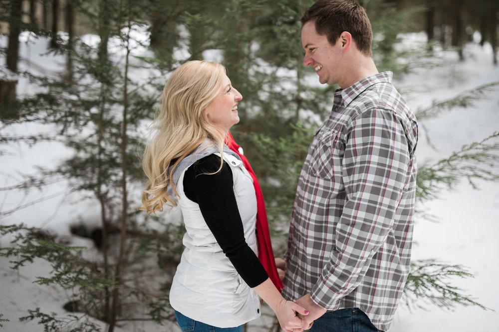 Wisconsin-winter-engagement-Northwoods_017.jpg