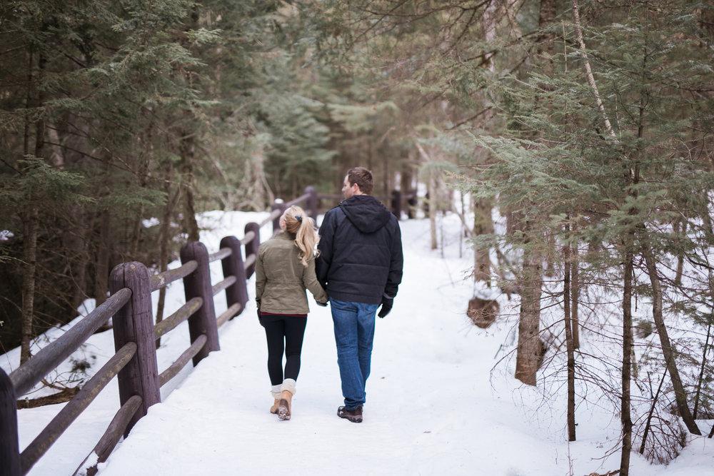 Wisconsin-winter-engagement-Northwoods_031.jpg