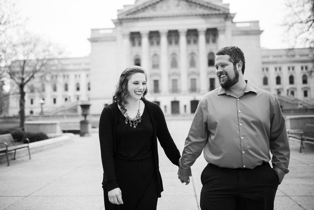 Madison-Wisconsin-spring-engagement-portraits_002.jpg