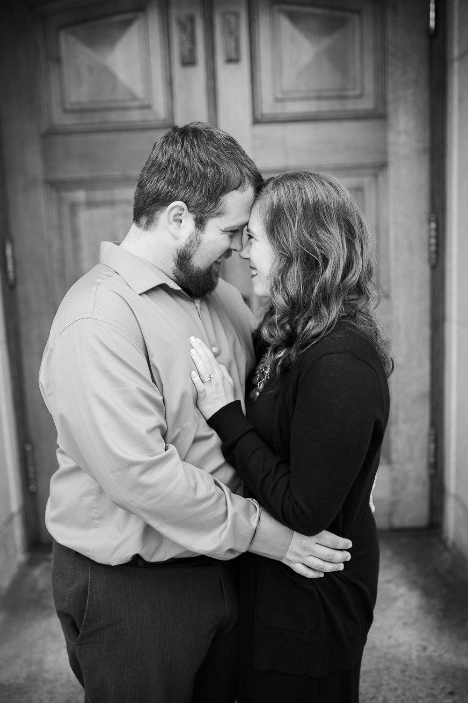 Madison-Wisconsin-spring-engagement-portraits_011.jpg
