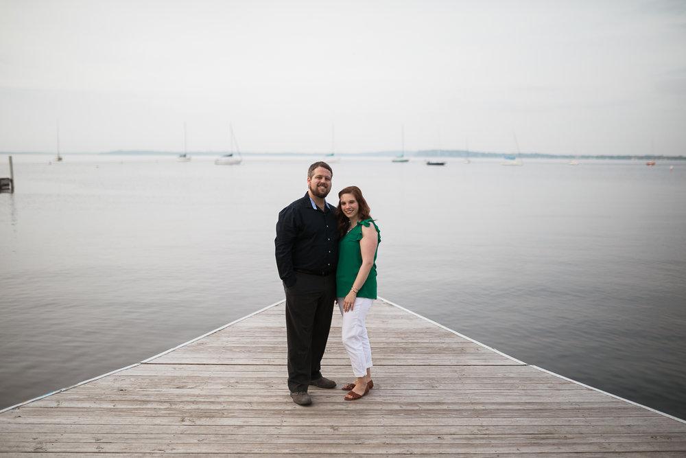 Madison-Wisconsin-spring-engagement-portraits_015.jpg