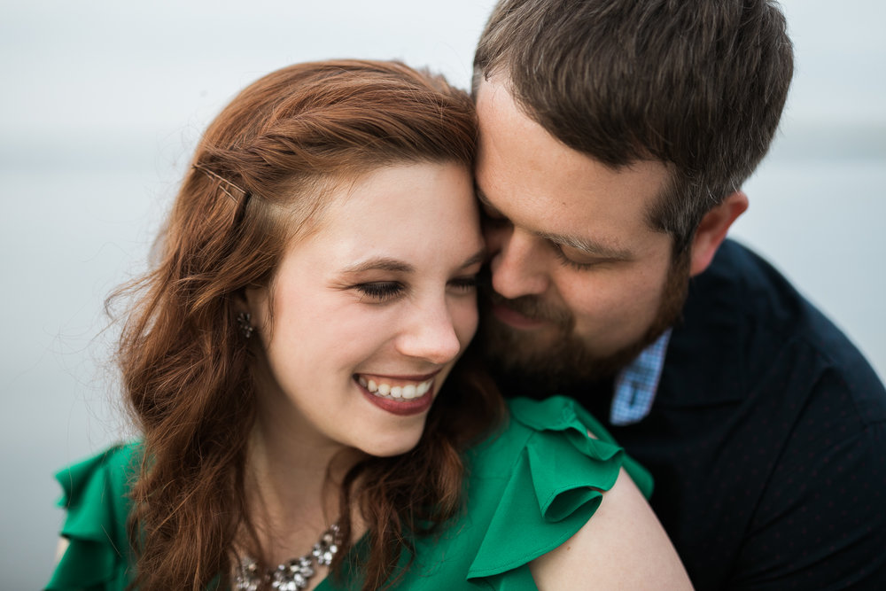 Madison-Wisconsin-spring-engagement-portraits_019.jpg