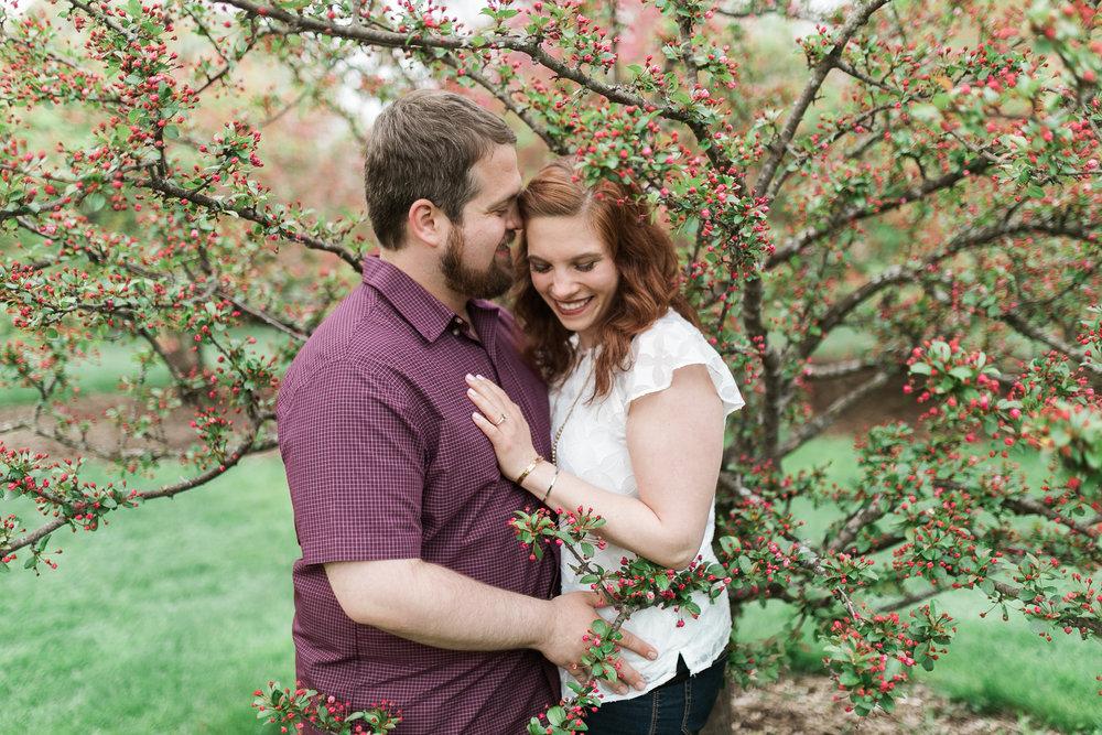 Madison-Wisconsin-spring-engagement-portraits_024.jpg