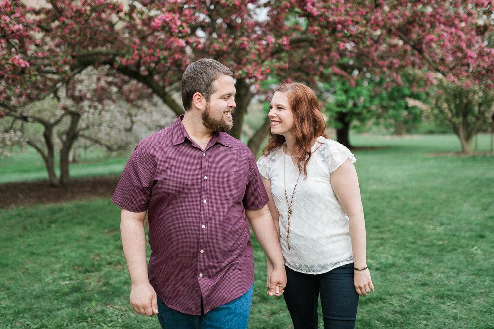 Madison-Wisconsin-spring-engagement-portraits_026.jpg