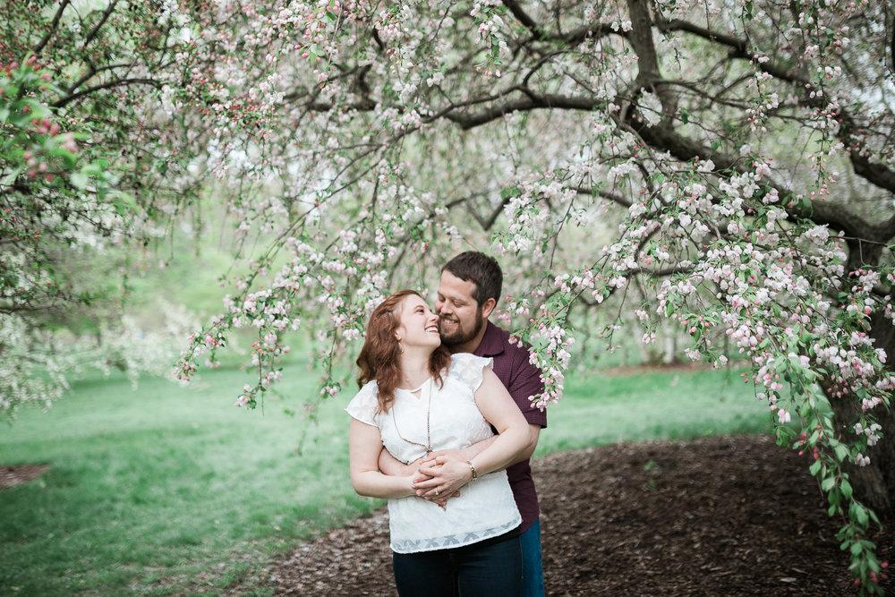 Madison-Wisconsin-spring-engagement-portraits_028.jpg