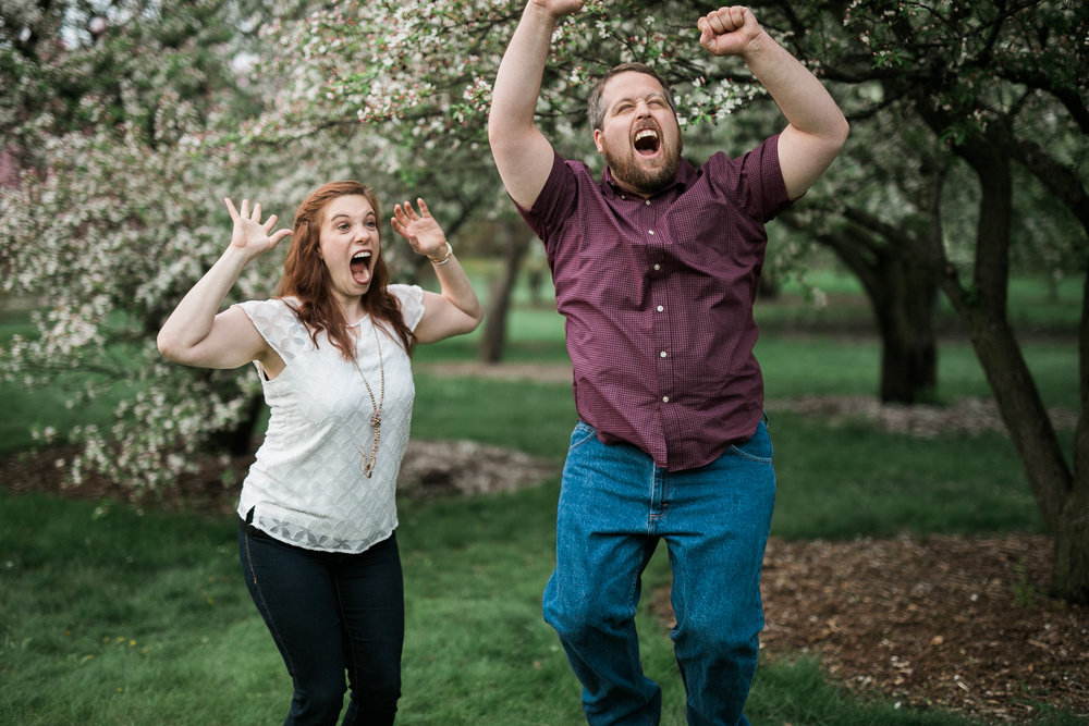 Madison-Wisconsin-spring-engagement-portraits_034.jpg