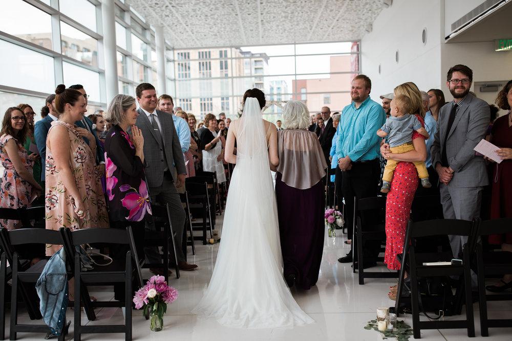 Madison-Public-Library-Wisconsin-Wedding_078.jpg