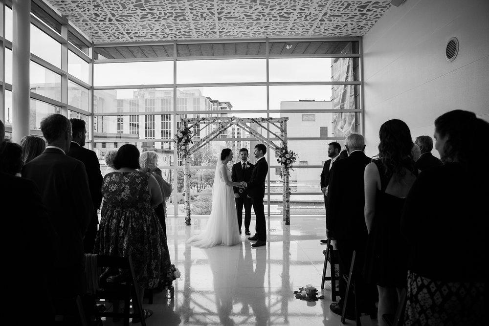 Madison-Public-Library-Wisconsin-Wedding_081.jpg