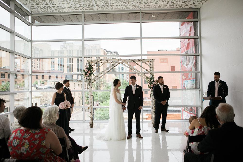 Madison-Public-Library-Wisconsin-Wedding_086.jpg