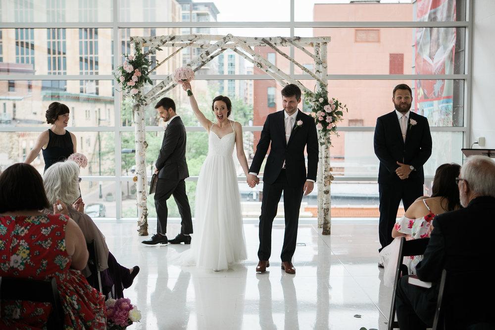 Madison-Public-Library-Wisconsin-Wedding_091.jpg