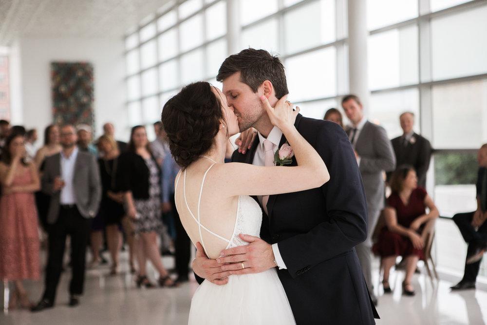 Madison-Public-Library-Wisconsin-Wedding_117.jpg