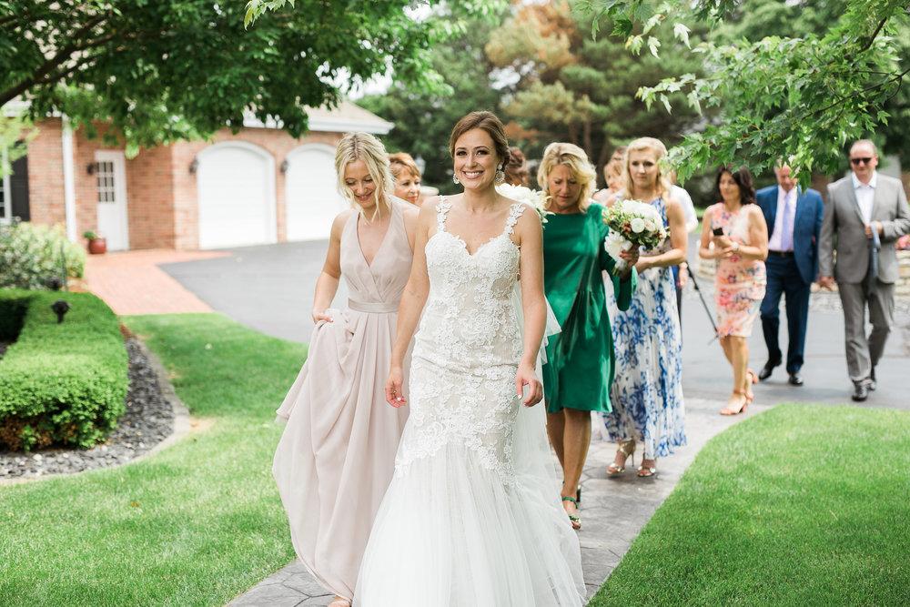 Lake-Estate-Backyard-Wedding-Wisconsin_025.jpg