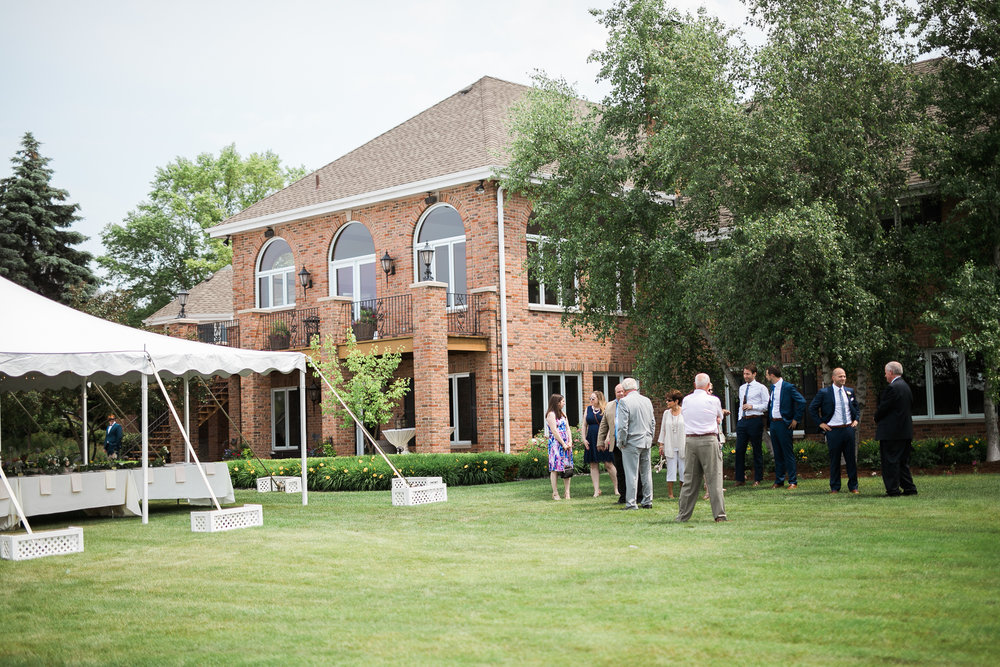 Lake-Estate-Backyard-Wedding-Wisconsin_035.jpg