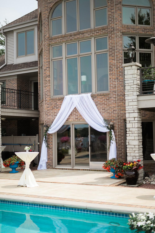 Lake-Estate-Backyard-Wedding-Wisconsin_037.jpg