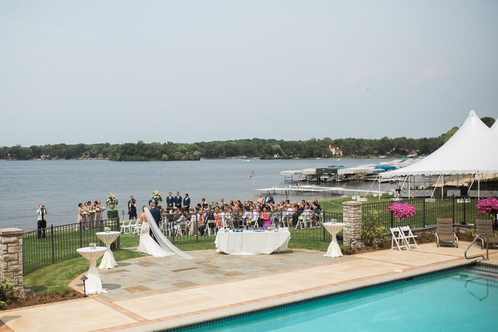 Lake-Estate-Backyard-Wedding-Wisconsin_051.jpg