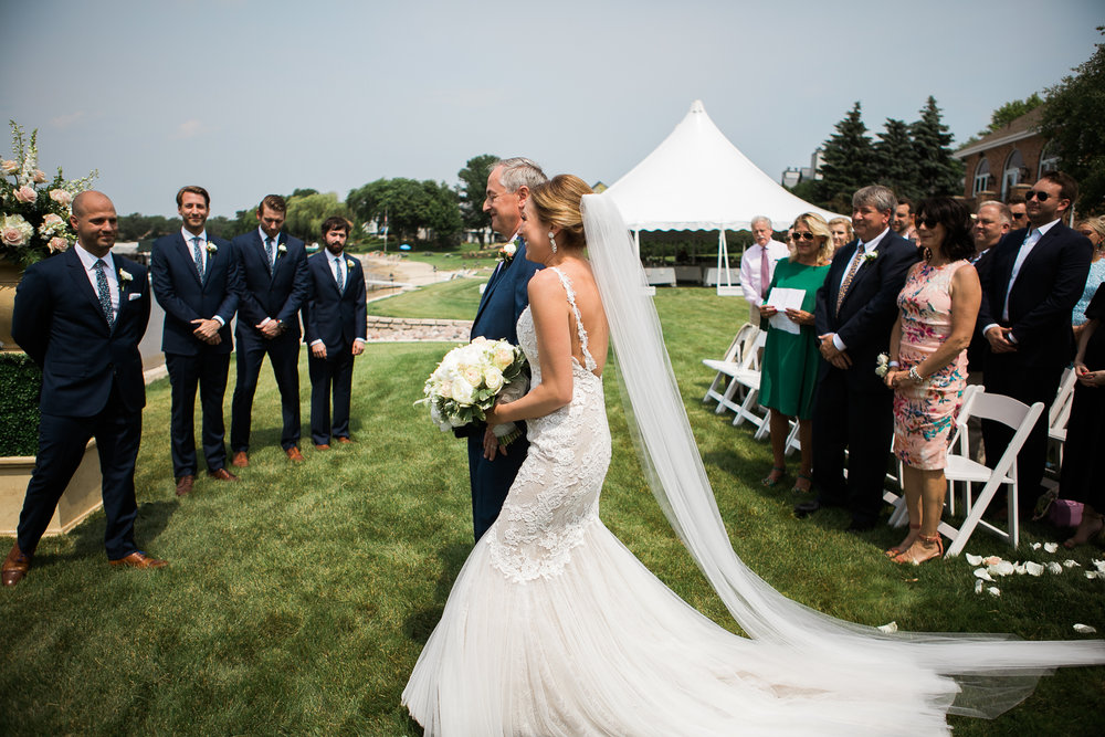 Lake-Estate-Backyard-Wedding-Wisconsin_053.jpg