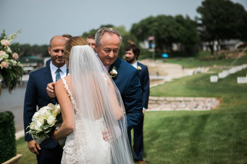 Lake-Estate-Backyard-Wedding-Wisconsin_054.jpg