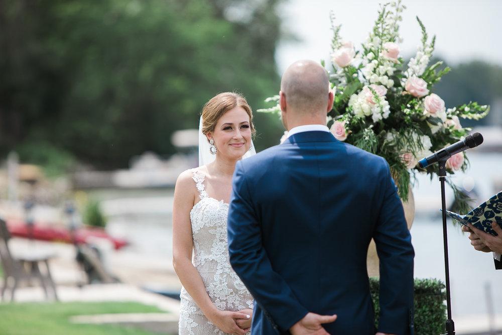 Lake-Estate-Backyard-Wedding-Wisconsin_058.jpg