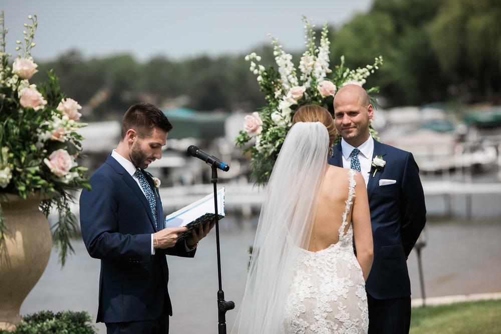 Lake-Estate-Backyard-Wedding-Wisconsin_061.jpg