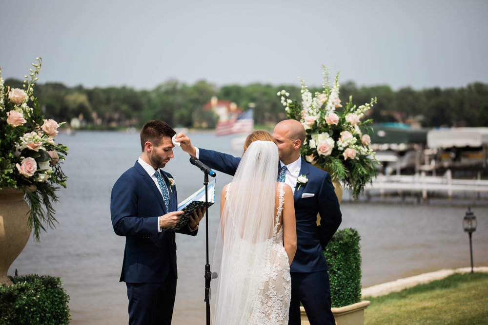 Lake-Estate-Backyard-Wedding-Wisconsin_065.jpg