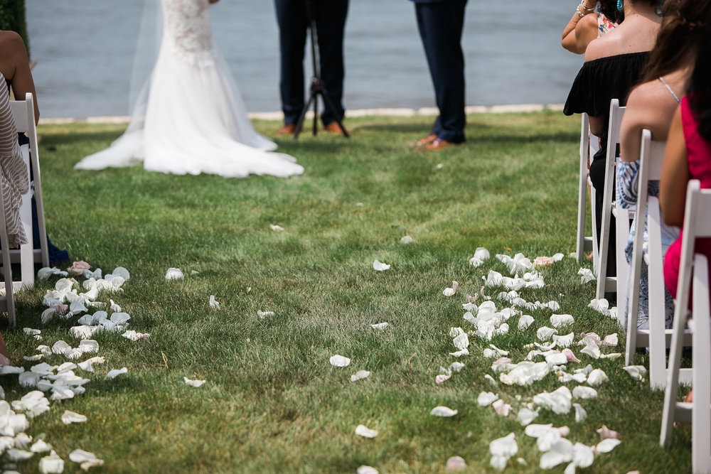 Lake-Estate-Backyard-Wedding-Wisconsin_066.jpg