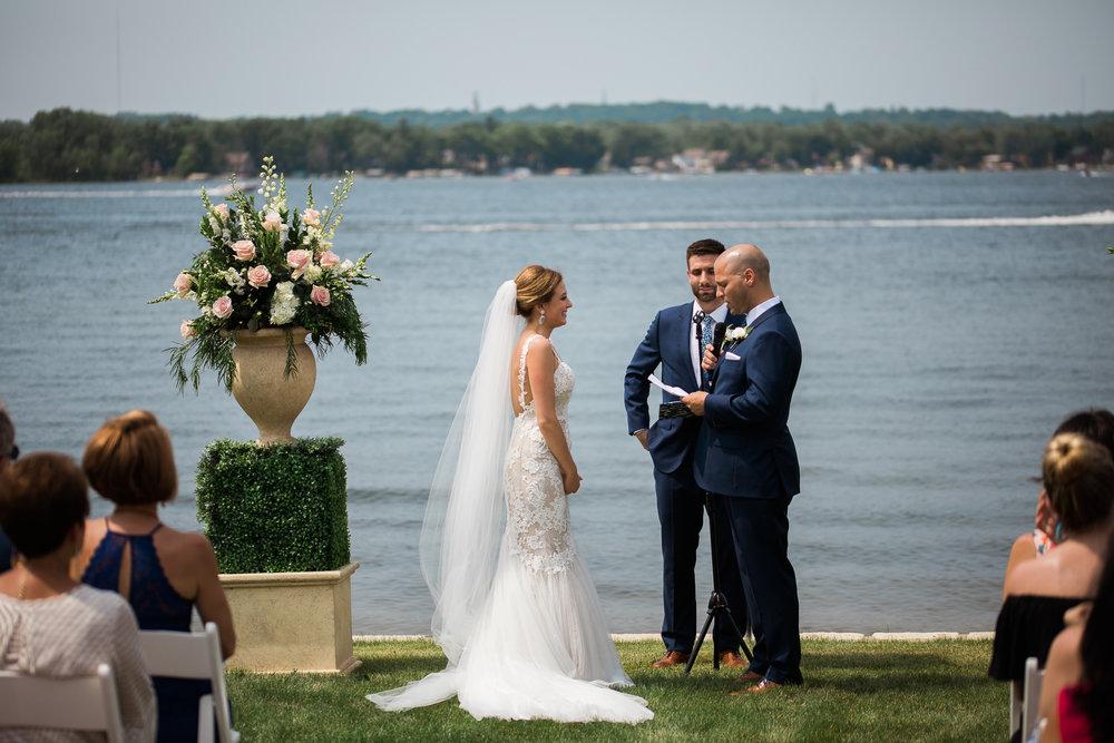 Lake-Estate-Backyard-Wedding-Wisconsin_076.jpg