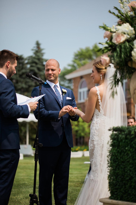 Lake-Estate-Backyard-Wedding-Wisconsin_081.jpg
